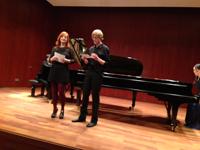 Christina Gärtner und David Rohrer moderieren das Klavierkonzert von zwei Studenten des Masterstudiengangs der Musikhochschule