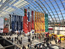 Die Leipziger Messehalle – Treffpunkt und Nachrichtenbörse