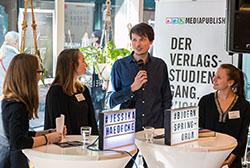 Bloggerin Jessika Hädecke und Autor Björn Springorum im Gespräch mit den Mediapublisherinnen Bettina Bähnsch (l.) und Silva Oldenburg (r.)
