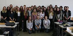 Gruppenbild der Mediapublishing-Erstsemester am ersten Studientag (Foto: NF).