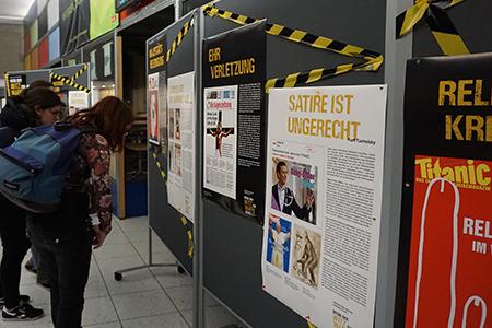 Die Plakatausstellung im Foyer der HdM (Fotos: fr048)