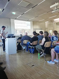 Peter Marus gibt Einblicke in die Arbeit der mobilen Jugendarbeit im Europaviertel