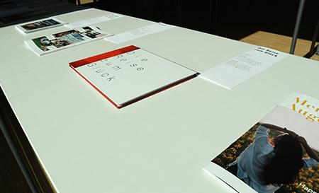 Exemplare der Ausstellung ›Was bedeutet Glück?‹  (Fotos: jal).