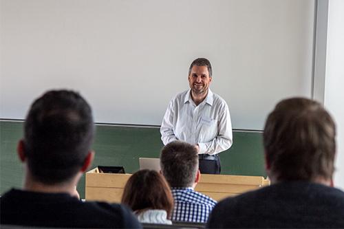 Studiendekan Joachim Charzinski