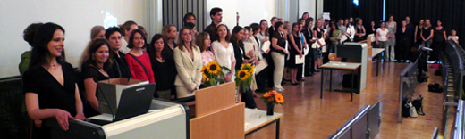 Die Absolventinnen und Absolventen des Jahrgangs 2004/07