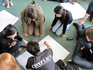"""Austausch von kulturellen Unterschieden im Workshop """"Intercultural Encounters"""""""