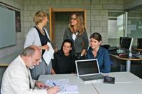Sigrid Verberne und Esther Hammelburg, Prof. Ingeborg Simon und Prof. Susanne Mayer