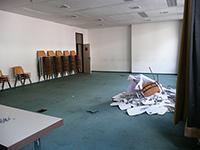 Der Hörsaal W011 - Die brettharten Stühle werden wohl die wenigsten vermissen