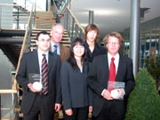 Prof. Dr. Uwe Schlegel, Benjamin Renner (zweite Reihe v.l.), Dr. Nikolaus Busse, Mi Kyung Lee, Peter Münch (erste Reihe v.l.)
