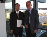 Prof. Dr. Emanuel Burkhardt und Prof. Dr. Uwe Schlegel (v.l.)