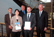 Tim Jennerjahn, Mi-Kyung Lee, Dr. Hartmut Sandig, Christian Rall, Prof. Dr. Uwe Schlegel (v.l.)