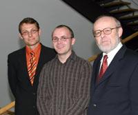 Tim Jennerjahn, Martin Maier und Betreuer Prof. Axel Ritz (v.l.)