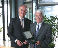 Prof. Dr. Uwe Schlegel mit Adolf I. Döpfert