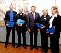 (v. l. n. r.:) Florian Heinrich (HdM), Ingmar Petersen (HdM), Dr. Jürgen Rautert (Vorstandsmitglied Heidelberger Druckmaschinen AG), Kerstin Peitz (Bergische Universität Wuppertal), Katja Klein (HdM). Foto: Sylvia Strecker