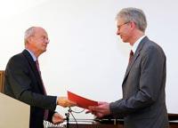 Minister Prof. Dr. Peter Frankenberg und Prof. Dr. Thomas Hoffmann-Walbeck (Foto: Hochschule Offenburg)