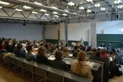 Professoren informieren über die Inhalte der einzelnen Studiengänge