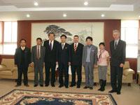 Von links: die Professoren Zhou, Tian, Wüst, Liu (Rektor TU Xi'an), Wittenzellner, Liu (Prorektor TU Xi'an), Hoffmann-Wahlbeck und Hongzhen Diao (2. v.r.)