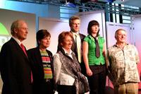 Die Talk-Gäste mit Moderatorin und Prof. Stephan Ferdinand