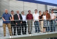 Die Studenten der Projektgruppen mit Sven Cichowicz (4.v.l.) vom Siegerteam