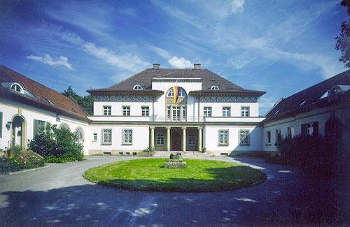 Die Villa in der Feuerbacher Heide - fr�herer Sitz der bibliothekarischen Studieng�nge