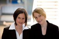 Ulrike Kurtz und Jill Schwarzer (von links)