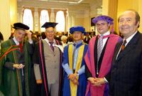Abschlussfeier in London:  Dr. Andrew Manning, Prof. Robert Thompson, Dr. Jack Tchan, Dr. Ansgar Gerlicher und Prof. Dr. Wolfgang Faigle (von links)