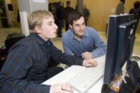 Bei verschiedenen Veranstaltungen stellen Studierende der Medieninformatik Projektarbeiten vor