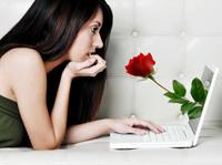 Immer mehr Menschen suchen die große Liebe im Netz (Bild: news.de)