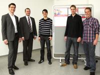 Rektor Roos (zweiter von links) mit den Jung-Unternehmern der HdM