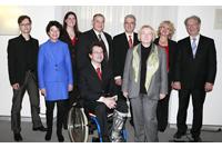 Prof. Dr. Petra Grimm (2. von links) mit den anderen Preisträgern und Wissenschaftsministerin Theresia Bauer (3. von rechts) Foto: Fred Arnold