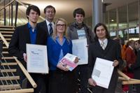 Die Preisträger: Fabian Kuppinger, HdM-Rektor Alexander Roos, Sabine Hieronymus, Andreas Lott und René Heß (von links)