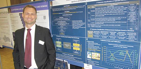 Bernd Wiech erhält zweiten Preis beim Posterevent