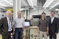 Ralf Bergmann (Bosch Rexroth AG), Prof. Dr. Karl Schaschek (HdM), Hakan Özkan (HdM) und Jörg Giebler (Bosch Rexroth AG), von links (Foto: HdM Stuttgart/Pappert)