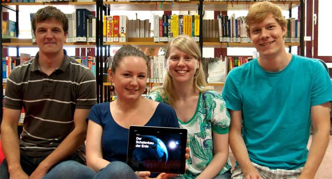 Die E-Book-Macher: Jonathan Renz, Anna Zolotareva, Desirée Altenburg und Samuel Knoch