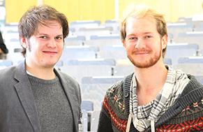 """HdM-Alumni Moritz Rudolph (links) und Jens Kilian (rechts) sind erfolgreiche Gründer und Geschäftsführer der """"Kniff""""-Projektagentur in Stuttgart."""