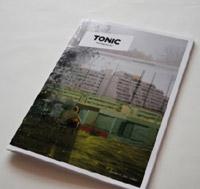 """In dem neuen Jugendmagazin """"Tonic"""" soll es nicht um glückliche Menschen gehen, Foto: Cover"""