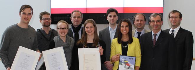 Die fünf Preisträger des Wintersemesters 2012/2013 mit ihren Laudatoren (Foto: Mira Kleine)