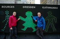 Selbst in New York vergisst Michael Hering (links) Freunde und Familie in Deutschland nicht (Fotos: Michael Hering)