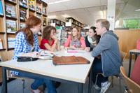 Das Konzept des MBA International Business bringt Menschen mit unterschiedlichen Erfahrungen und Fähigkeiten zusammen.