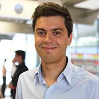Der Masterabsolvent des Studiengangs Computer Science Pascal Naujoks wurde direkt übernommen.