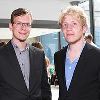 Nach dem E-Service-Studium geht es für Tobias Bomm und Lucas Aresin nach Dänemark.