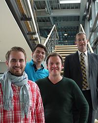 Die Stipendiaten mit Prof. Dr. Alexander W. Roos, Rektor der HdM. Foto: Sabine Bothner-Kübler