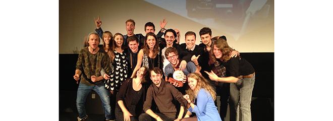 Die Gewinner des Kurzfilmwettbewerbs mit Steffen Freckmann (3. von rechts, letzte Reihe, Foto: Matthias Wallot)
