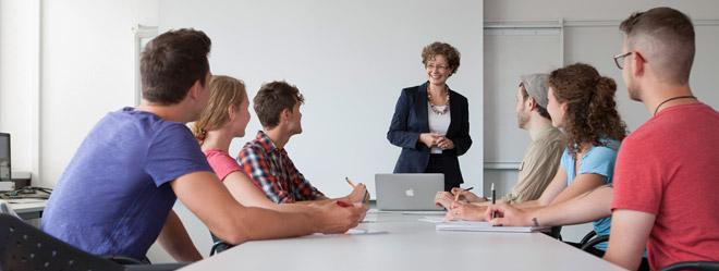 Die Social Skills der HdM-Studierenden werden beispielsweise in Seminaren wie Personalführung oder Personalmanagement geschult.