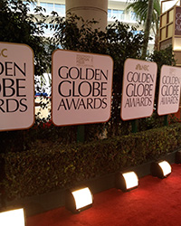 Der rote Teppich bei den Golden Globes, Foto: By jdeeringdavis (Flickr: Golden Globes) [CC-BY-2.0 (http://creativecommons.org/licenses/by/2.0)], via Wikimedia Commons
