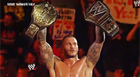 Randy Orton ist der erste und aktuelle WWE World Heavyweight Champion, Quelle: Screenshot von https://www.youtube.com/watch?v=zuNbqNVdgdY