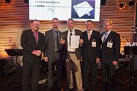 """Die Preisträger vom """"BatMat""""-Team mit Michael Wendler (2. von links, Foto: LOPEC 2014, Messe München International)"""