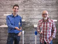 Heiko Weiß und Thilo Brückner mit ihren Miniatur-Abbildern (© Scanotec)