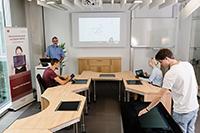 Hier werden Konzepte entwickelt, wie Konferenzen effizienter und vernetzt ablaufen können
