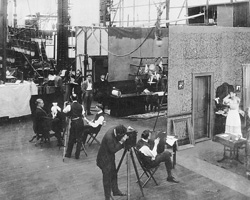So sahen 1908 die Dreharbeiten in den New Yorker Edison-Studios aus, Quelle: Wikimedia Commons